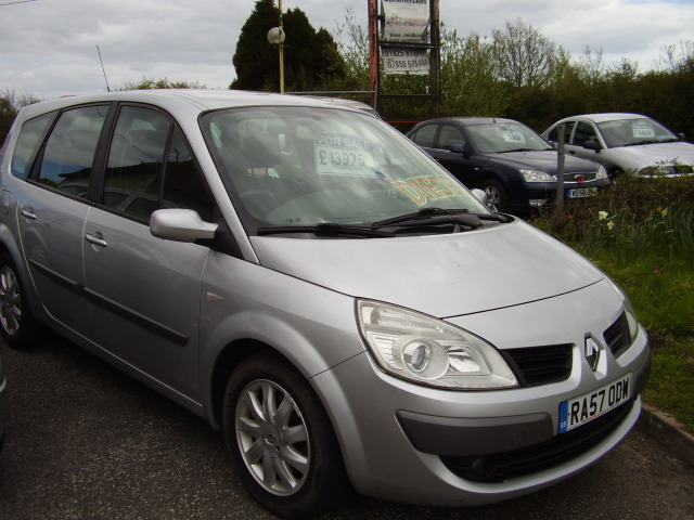 07 (57) RENAULT G SCENIC DYN 7 DCi £3,975.00 130 MPV 7 seats