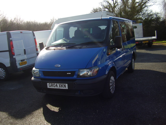 04 TRANSIT TORNEO 9 SEAT BUS £4,750.00 GLX 280 ( seats (including driver)