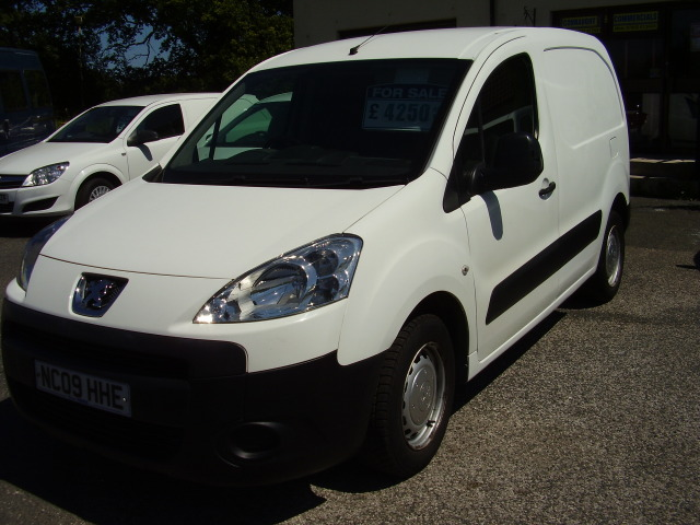 09 PEUGEOT PARTNER 850S HDi 90 £4,250.00 87,000 miles, service history