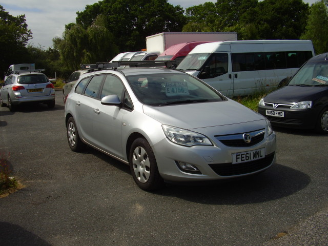 2011(61) VAUXHALL ASTRA EXCUSIVE ESTATE £4,750.00 CDTi eco-flex
